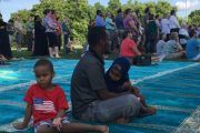 After Minnesota Mosque Bombing, Non-Muslims Gather In Solidarity