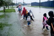 Turning Mosques Into Shelters, Texas Muslims Help Victims of Harvey
